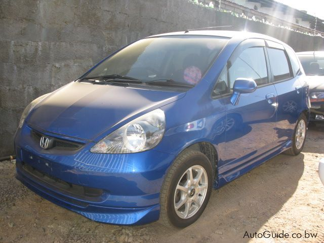 used honda fit 2003 fit for sale gaborone honda fit sales honda fit price p 45 000 used cars. Black Bedroom Furniture Sets. Home Design Ideas