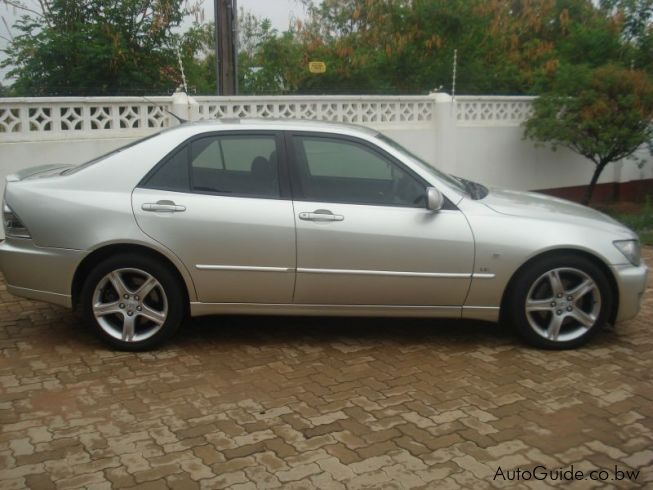 used lexus is300 vvti 2004 is300 vvti for sale. Black Bedroom Furniture Sets. Home Design Ideas