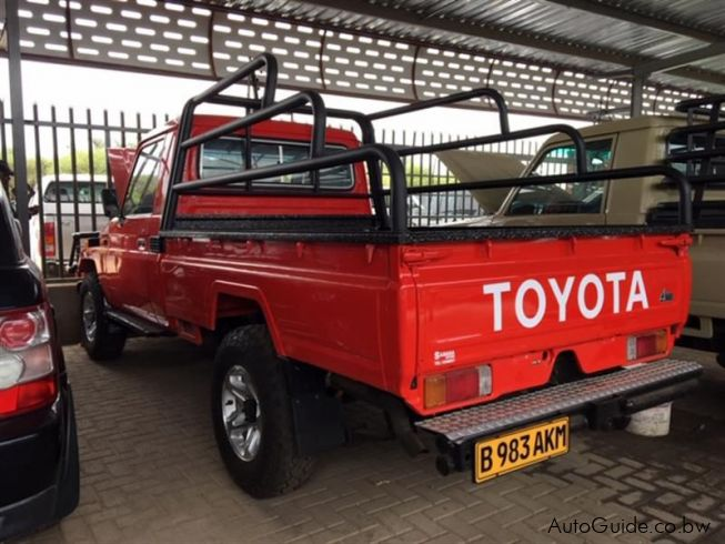 Toyota Land Cruiser EFI in Botswana