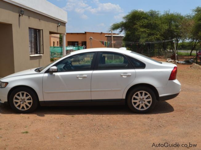 used volvo s40 2008 s40 for sale gaborone volvo s40 sales volvo s40. Black Bedroom Furniture Sets. Home Design Ideas