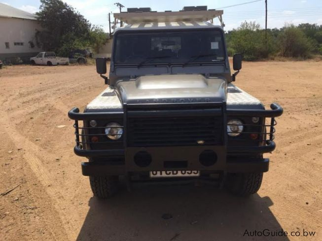 Land Rover Defender TD4 Puma in Botswana