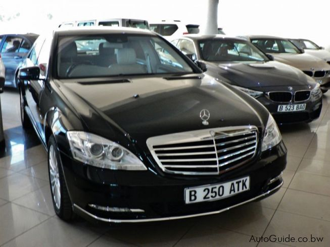 Mercedes-Benz S350 in Botswana
