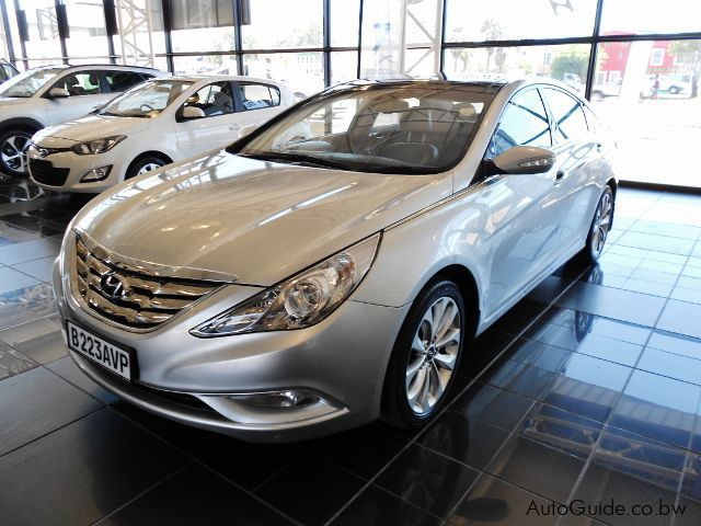 used hyundai sonata 2012 sonata for sale gaborone hyundai sonata sales hyundai sonata. Black Bedroom Furniture Sets. Home Design Ideas