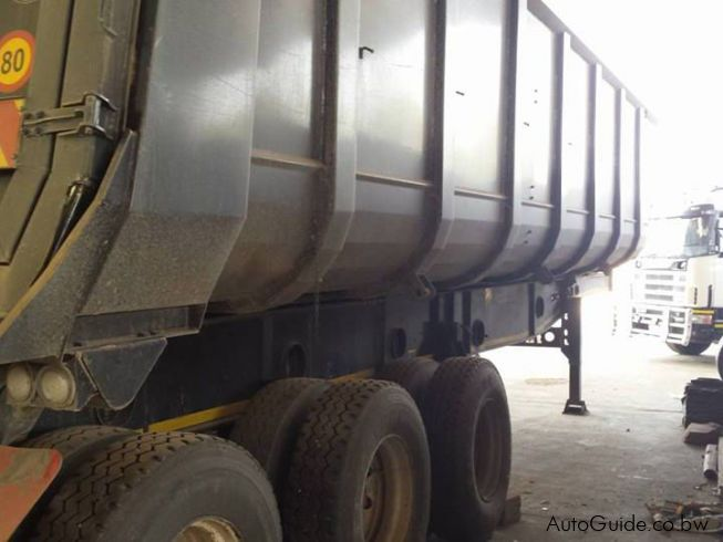 AFRIT TRI-AXLE TIPPING TRAILER in Botswana