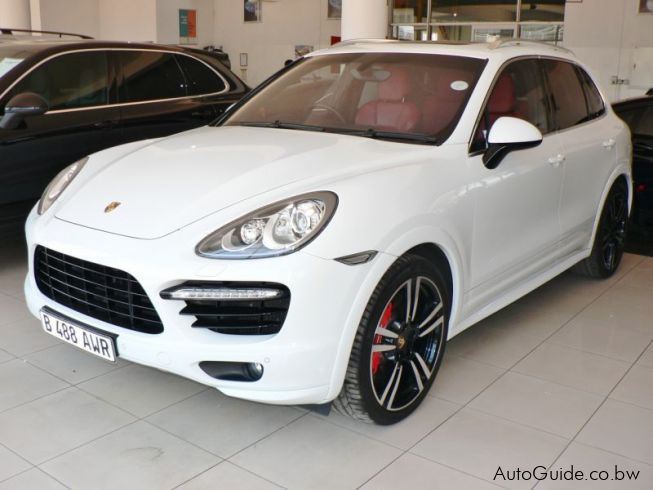 used porsche cayenne turbo s 2013 cayenne turbo s for sale gaborone porsche cayenne turbo s. Black Bedroom Furniture Sets. Home Design Ideas