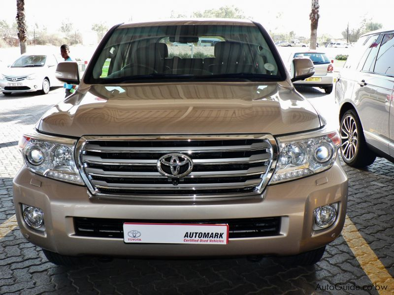 used toyota land cruiser 200 series 2014 land cruiser 200 series for sale gaborone toyota. Black Bedroom Furniture Sets. Home Design Ideas