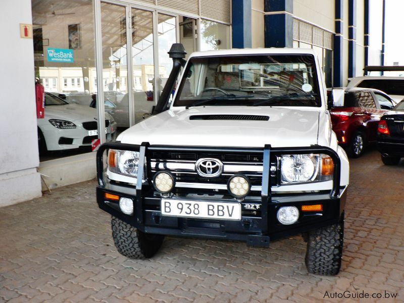 Pre-owned Toyota Land Cruiser TD V8 for sale in