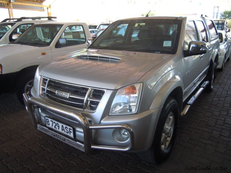 Pre-owned Isuzu KB300 for sale in Gaborone