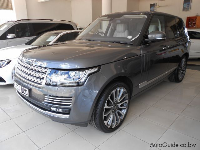 Pre-owned Land Rover Range Rover Voque SE for sale in Gaborone