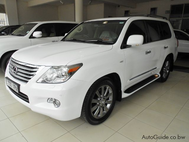 Pre-owned Lexus LX 570 for sale in Gaborone
