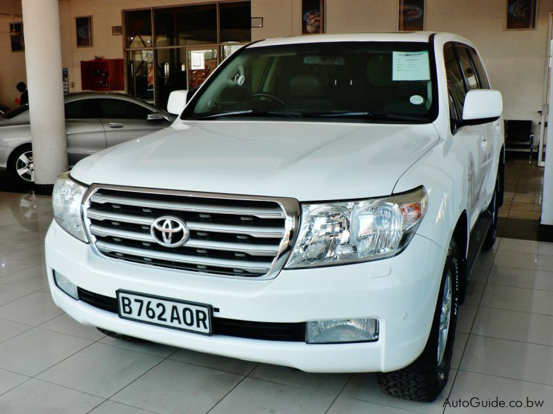 Pre-owned Toyota Land Cruiser 200 Series VX V8 for sale in