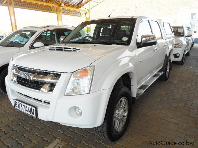 Pre-owned Isuzu KB300 LX for sale in Gaborone