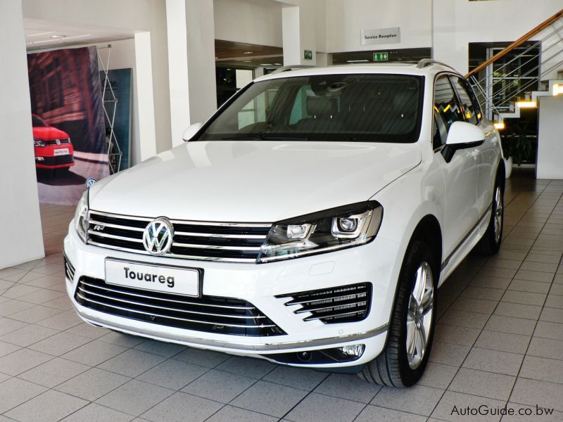 Pre-owned Volkswagen Touareg 3.0TDi Luxury for sale in