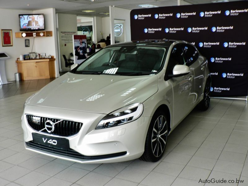 Pre-owned Volvo V40 T3 Geartronic Momentum for sale in
