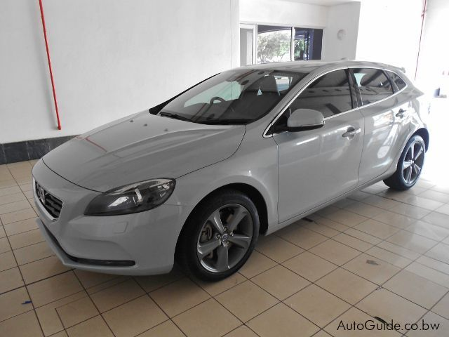 Pre-owned Volvo V40 D3 for sale in