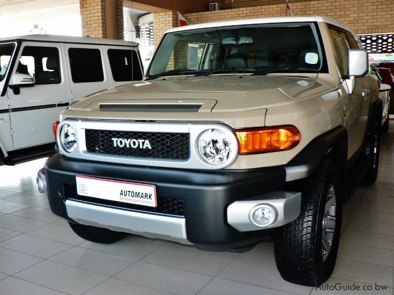 Pre-owned Toyota FJ Cruiser V6 for sale in