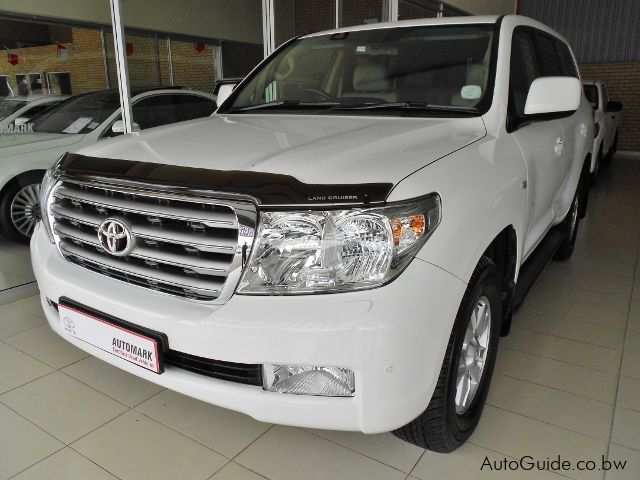 Pre-owned Toyota Land Cruiser 200 Series for sale in Gaborone
