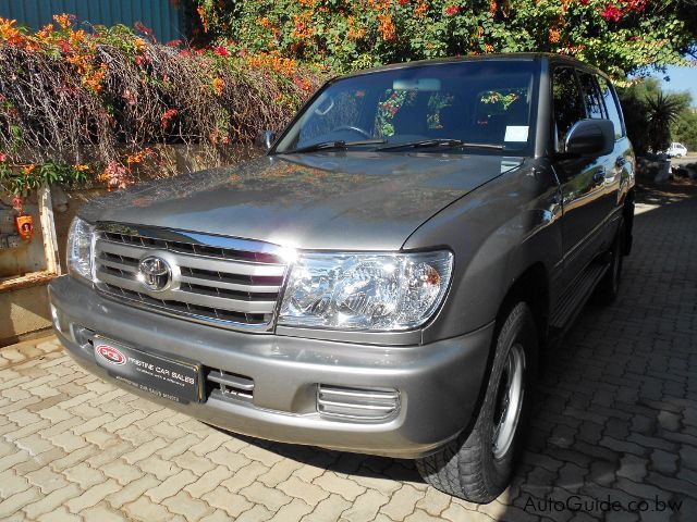 Pre-owned Toyota Land Cruiser EFi for sale in Gaborone