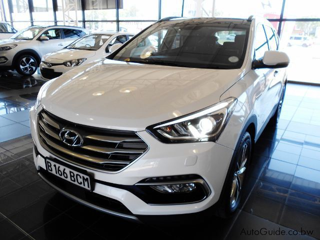 Pre-owned Hyundai Santafe 7 Seater for sale in Gaborone