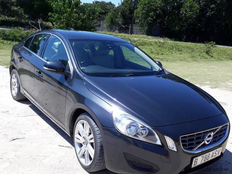Pre-owned Volvo S60 T6 for sale in