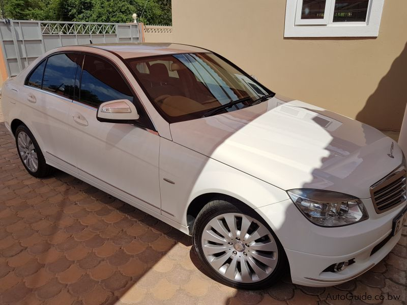 Pre-owned Mercedes-Benz C200Kompressor for sale in