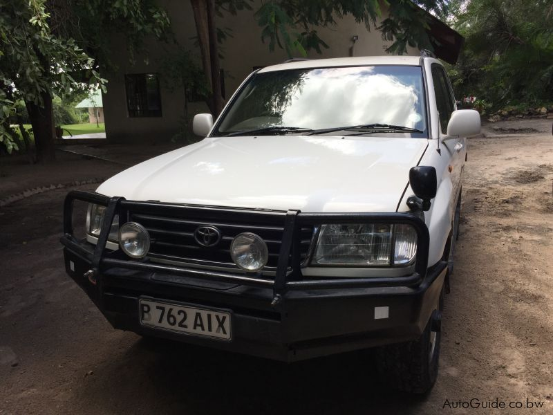 Pre-owned Toyota Land Cruiser 100 for sale in