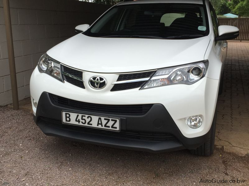 Pre-owned Toyota RAV4 2L PETROL for sale in