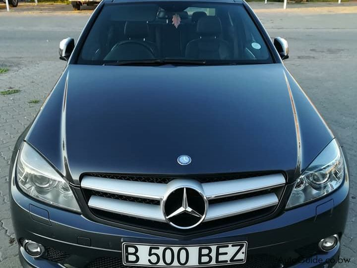 Pre-owned Mercedes-Benz C320 for sale in