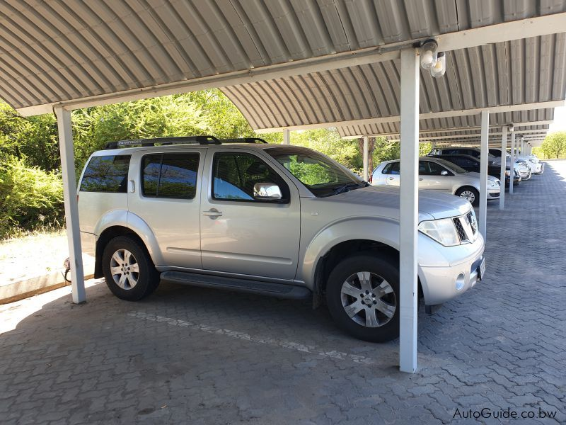 Pre-owned Nissan Pathfinder 2.5 DCi for sale in