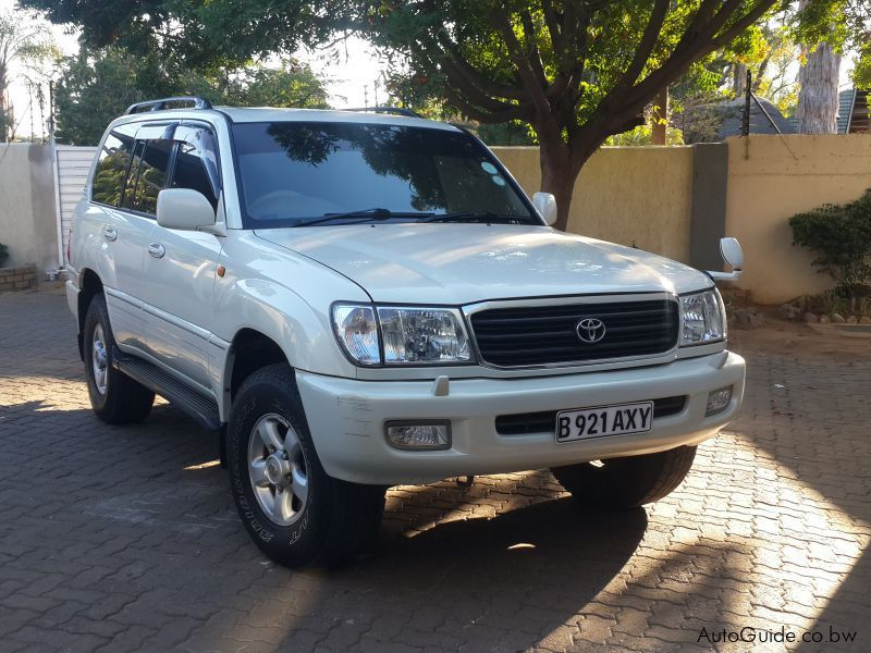 Pre-owned Toyota Landcruiser100 for sale in