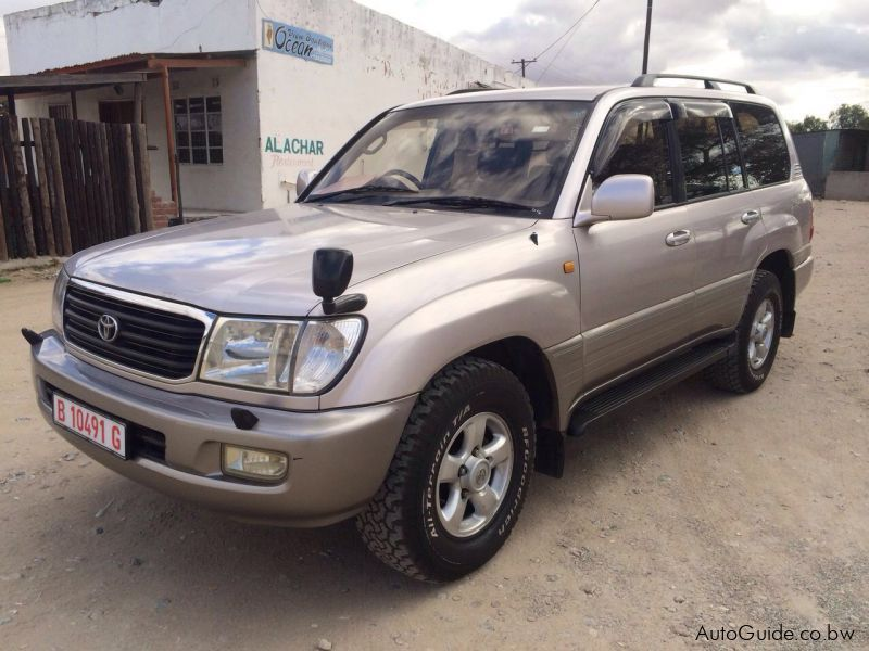 Pre-owned Toyota Land cruiser 100 series for sale in